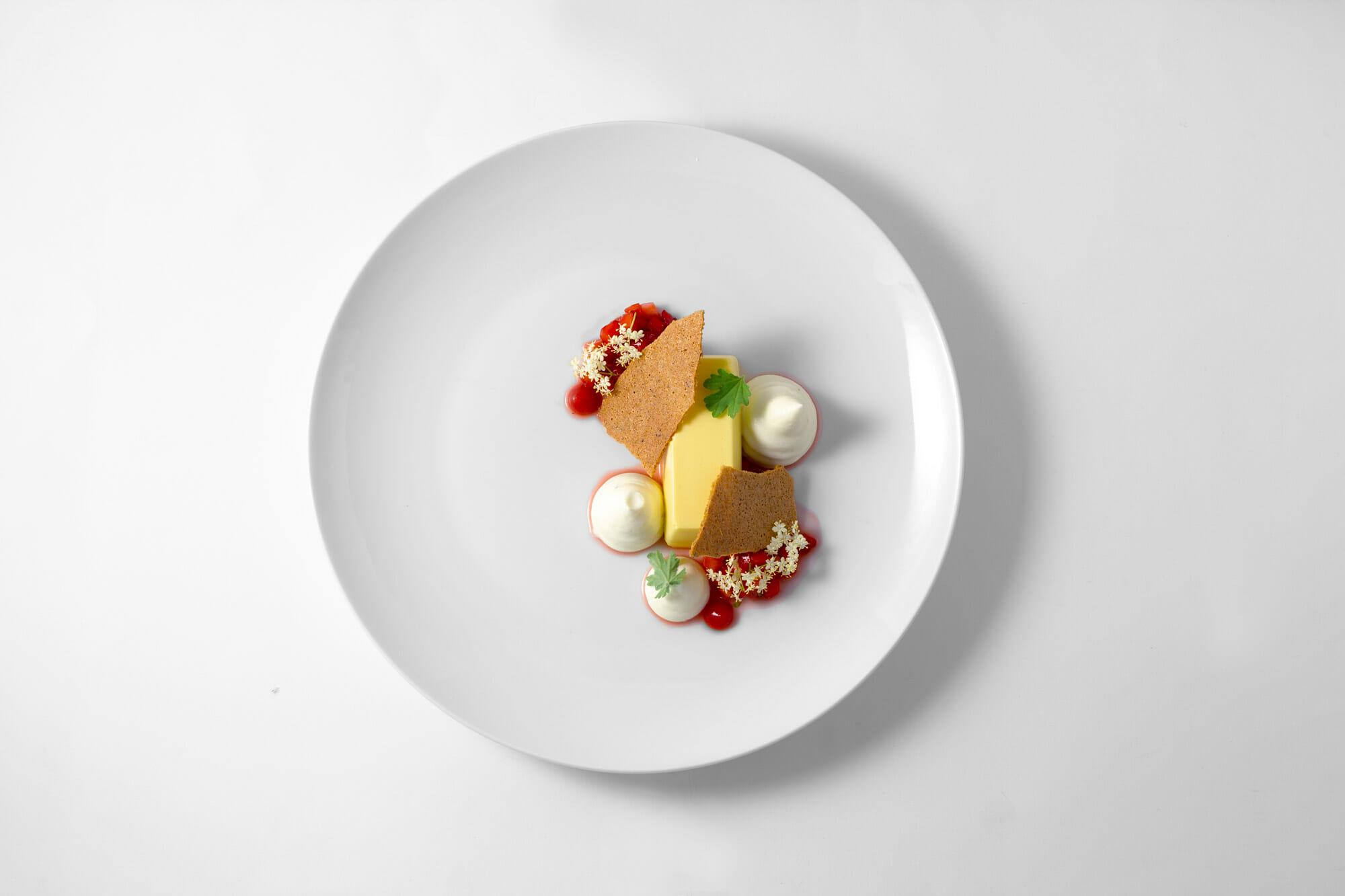 Sambuco, fragole, pepe del Sichuan, pelargonio