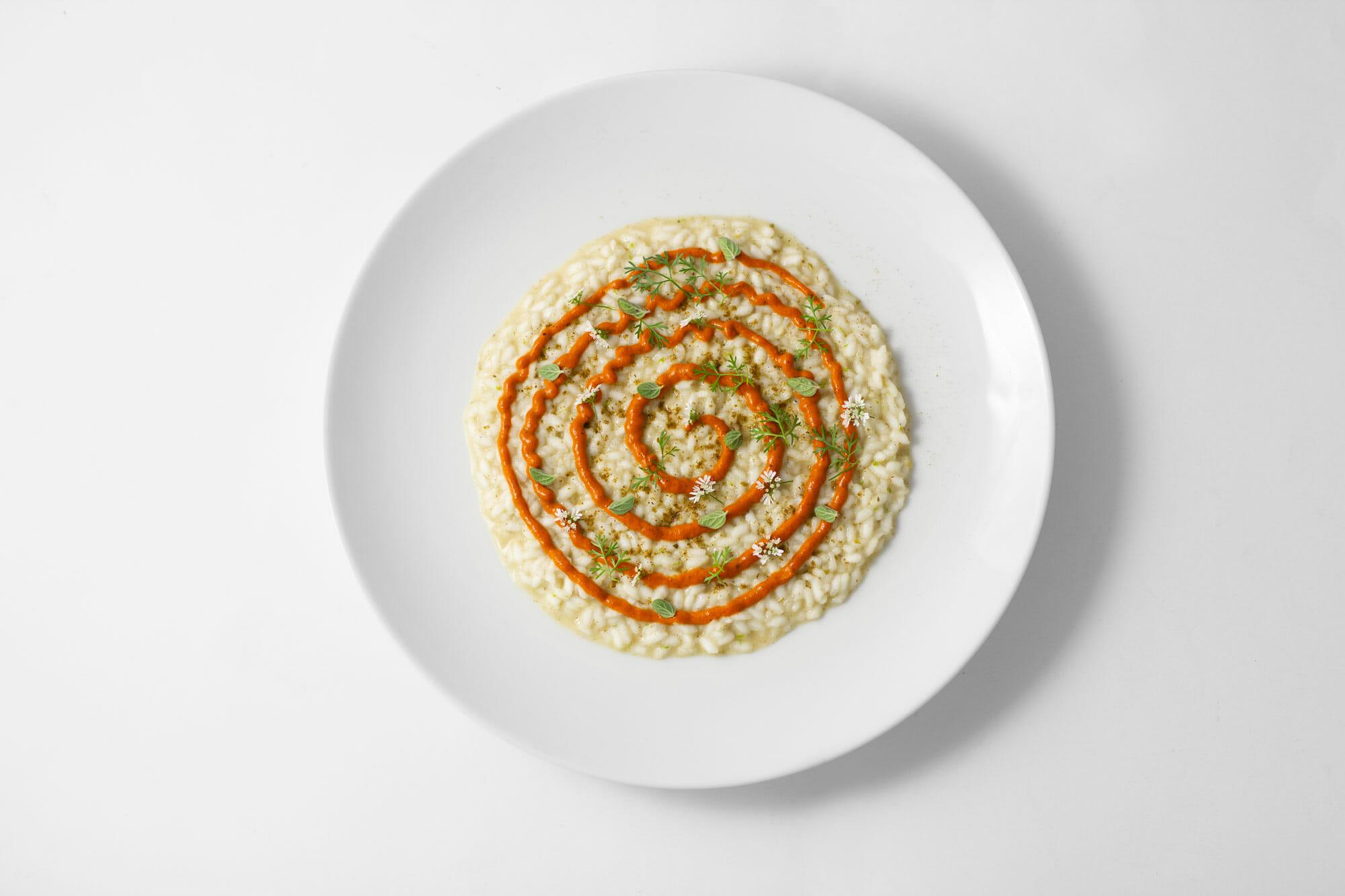 Risotto alle spezie, peperone arrosto, origano e coriandolo